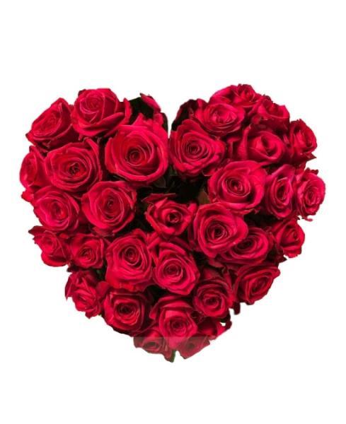 Centro corazón de flores rojas