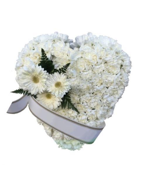 Centro funerario corazón blanco