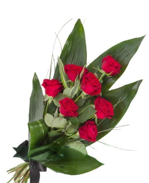 Ramo funerario de siete rosas rojas